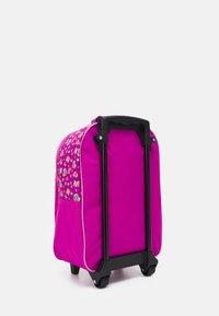 Fabrizio - PAW PATROL KIDS TROLLEY UNISEX - Wheeled suitcase - rose - 1