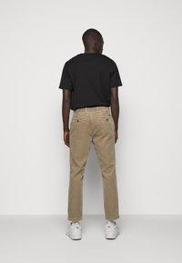 CLOSED - ATELIER TAPERED - Kalhoty - muddy beige - 2