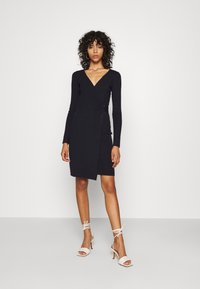 4th & Reckless - OXFORD DRESS - Etuikleid - navy - 1