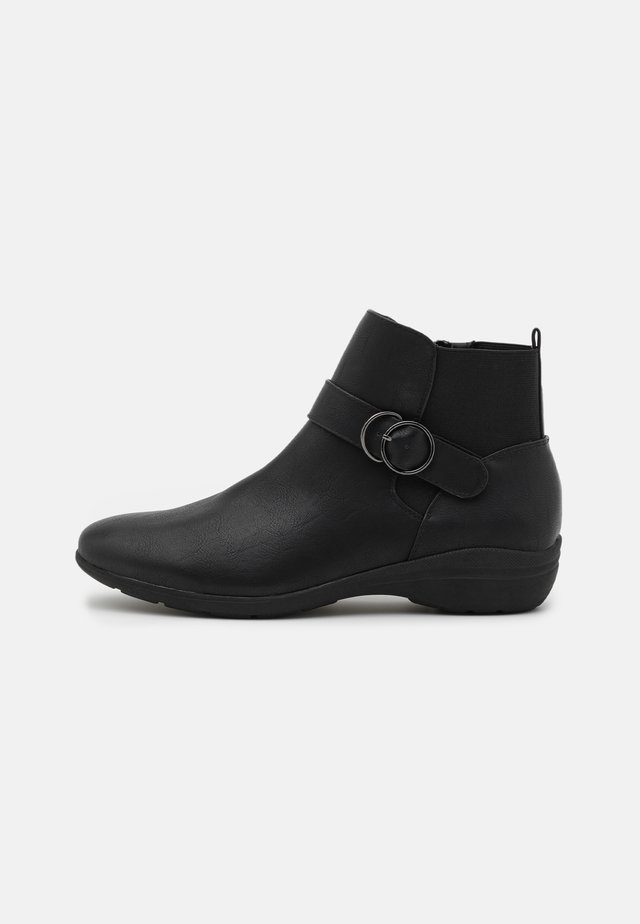 WIDE FIT STUD STRAP COMFORT BOOT - Støvletter - black