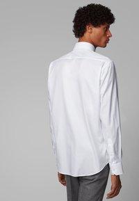 BOSS - GORDON - Formal shirt - white - 1