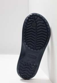 Crocs - CROCBAND FLIP - Pool shoes - navy - 5