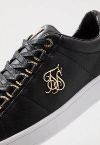 SIKSILK - PRESTIGE - Zapatillas - black/gold - 5