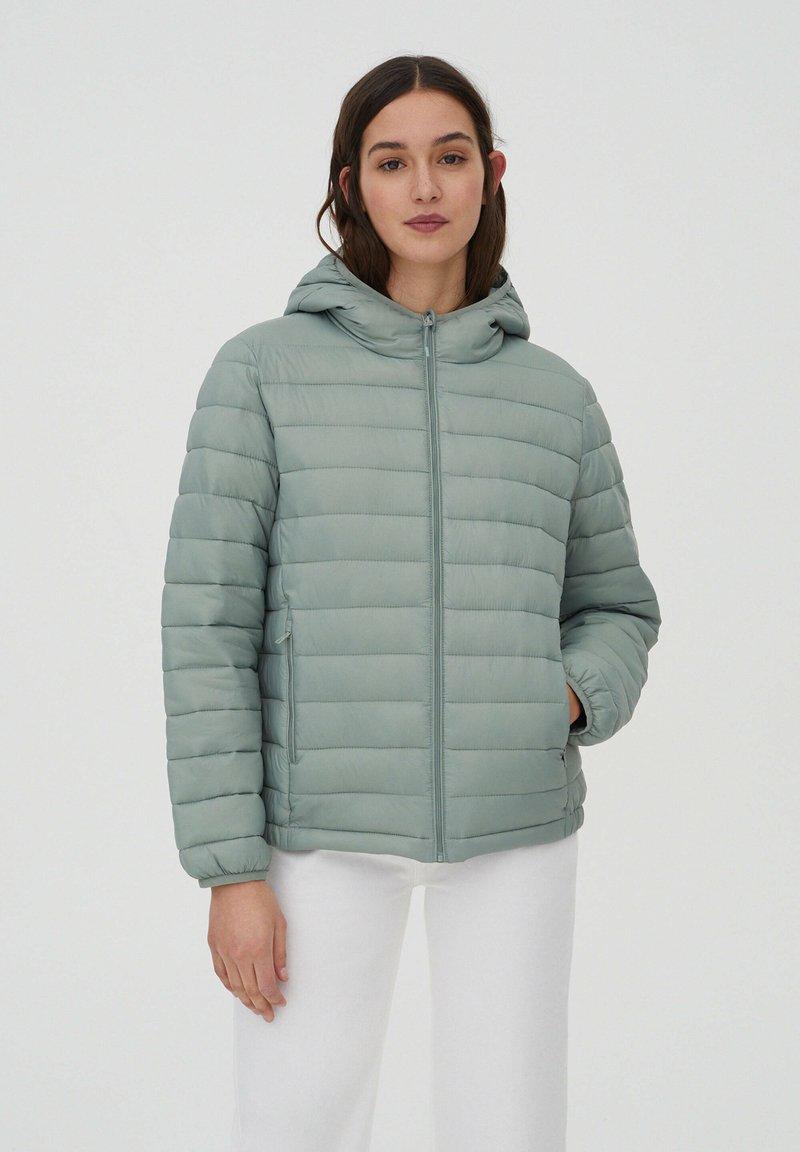 PULL&BEAR - Winter jacket - light green