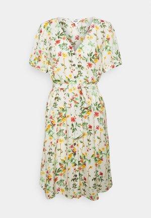 OBJLORENA SHORT DRESS - Denní šaty - sandshell/alba