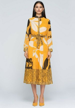 Vestido informal - amarillo