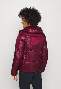 NAF NAF - BONUS - Down jacket - raisin - 2