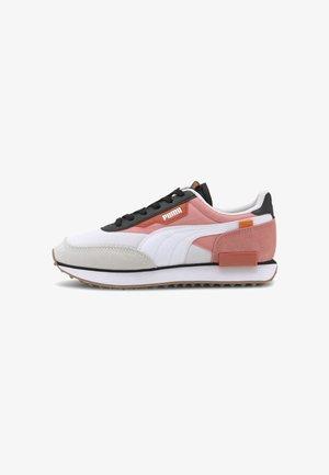 FUTURE RIDER NEW TONES UNISEX - Sneakers - puma white-salmon rose