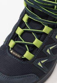 Lowa - INNOX PRO GTX MID JUNIOR UNISEX - Hiking shoes - stahlblau/limone - 2