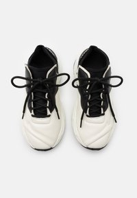 Just Cavalli - CONTRAST LOGO - Trainers - bright white - 3