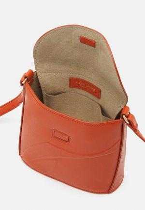 LADY BAGMINI - Across body bag - mandarino
