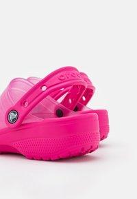 Crocs - CLASSIC TRANSLUCENT  - Mules - pink - 5