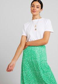 mint&berry - Maxi sukně - white/green - 3