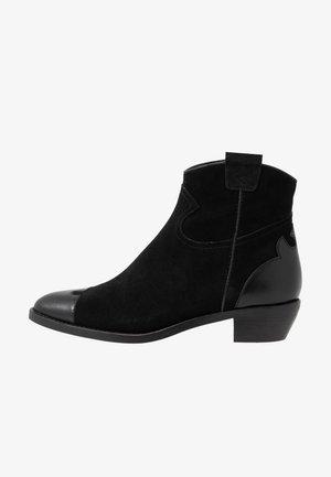 Kovbojské/motorkářské boty - texan