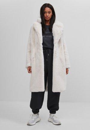 Winter coat - stone