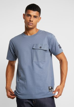 JCOHORCH TEE CREW NECK AMERICAN FIT - T-shirt con stampa - china blue
