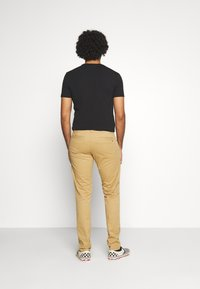 Tommy Jeans - SCANTON PANT - Chino - classic khaki - 2