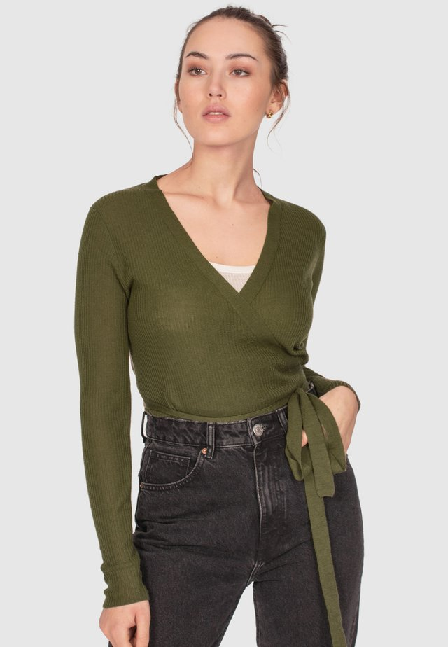 WRAP TOP - Strikjakke /Cardigans - light olive
