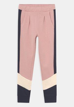 NKFKOMIA  - Pantalones deportivos - pale mauve