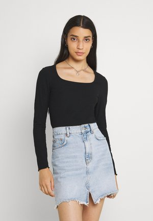 ONLNELLA  SQUARE NECK - Camiseta de manga larga - black