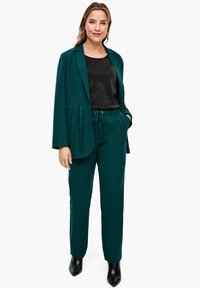 Triangle - REGULAR FIT - Trousers - emerald - 6