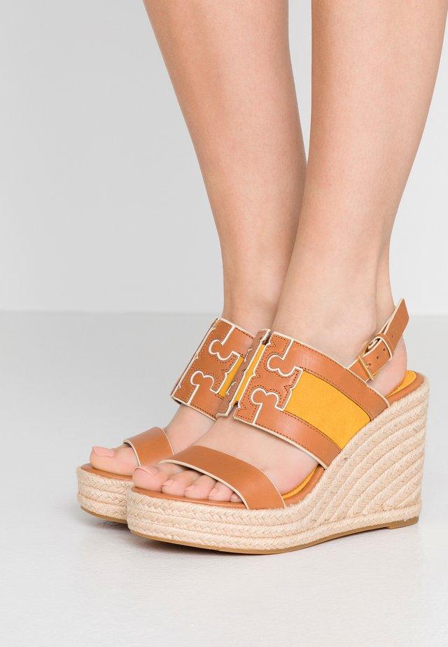 INES WEDGE - High heeled sandals - tan/goldfinch