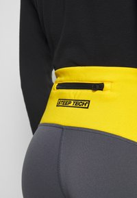 The North Face - STEEP TECH - Leggings - Trousers - vanadis grey/black/lightning yellow - 7