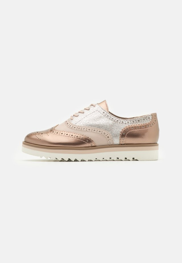Lace-ups - rose metallic