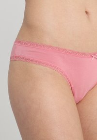 Zalando Essentials - 7 PACK - Trusser - pink/royal blue/green - 6