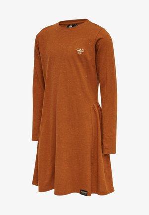 HMLBADISHA L/S - Jersey dress - bombay brown