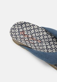 Pepe Jeans - OBAN TUBULAR - Sandály s odděleným palcem - azzurro - 5
