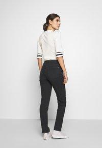 Esprit - MODERN - Jeans Tapered Fit - black - 2
