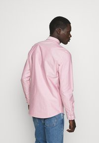 Filippa K - TIM OXFORD SHIRT - Shirt - pink cedar white mix - 2