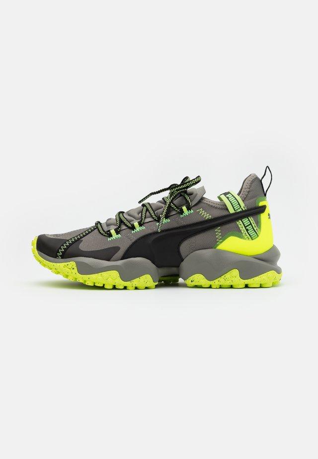 ERUPT TRL - Chaussures de running - ultra gray/fizzy yellow