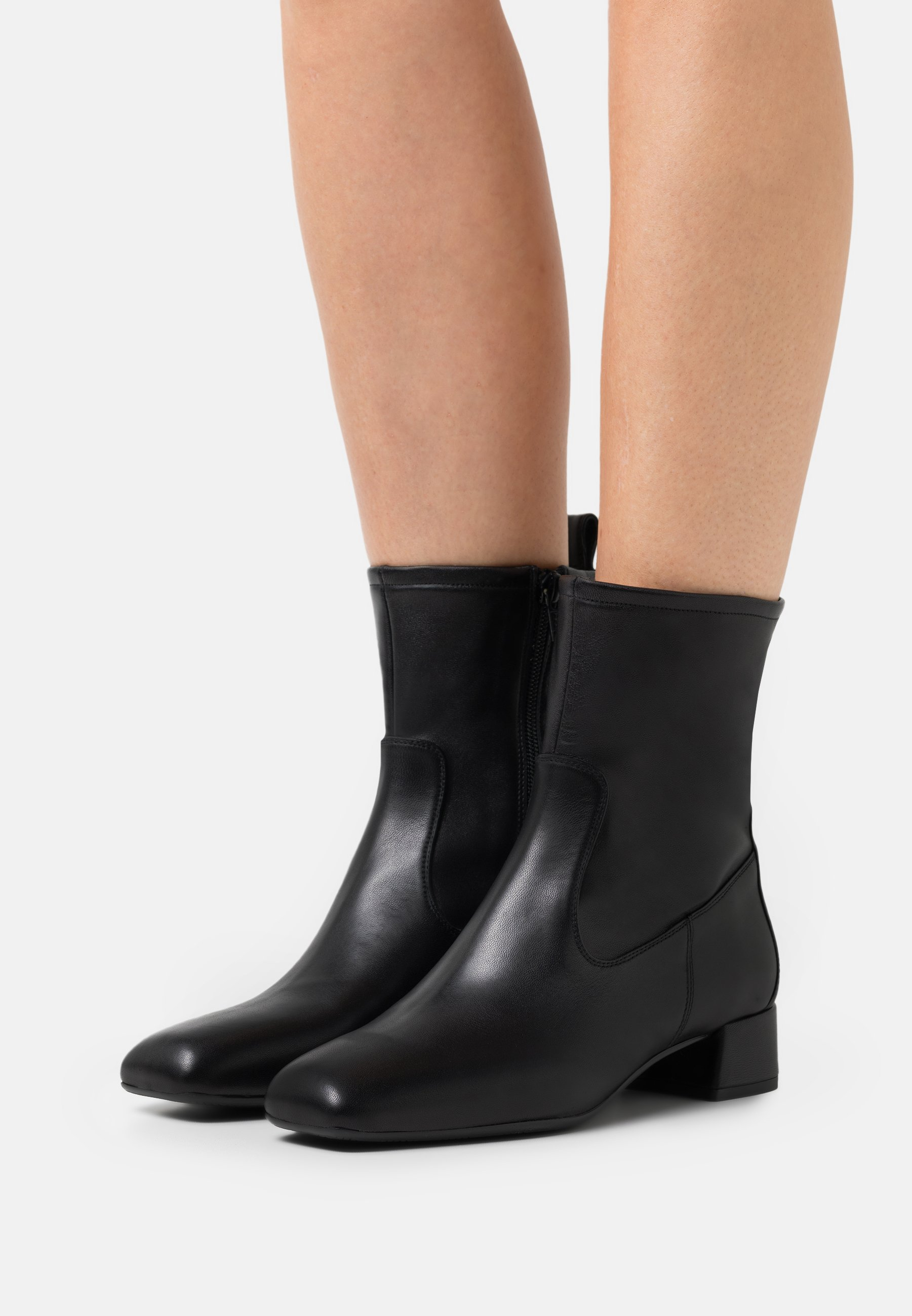 Women GLIDE - Classic ankle boots