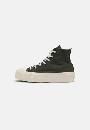 CHUCK TAYLOR ALL STAR MIX RECYCLED PLATFORM - Sneakers alte - cargo khaki/egret