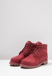 Timberland - ICONIC - Šněrovací kotníkové boty - dark red - 3
