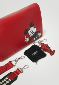 Desigual - MICKEY MOUSE - Sac bandoulière - red - 4