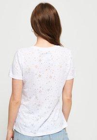 Superdry - Print T-shirt - white - 2