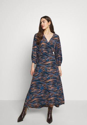 YASRIKKE WRAP DRESS