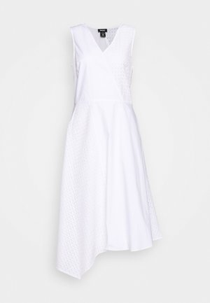 VNECK MIXED MEDIA DRESS - Denní šaty - white