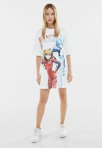 Bershka - T-shirt z nadrukiem - white - 1