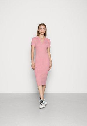 SHORT SLEEVE OPEN COLLAR MIDI DRESS - Jumper dress - pink