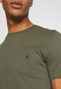 Replay - 2 PACK - T-shirt basic - olive/grey - 6