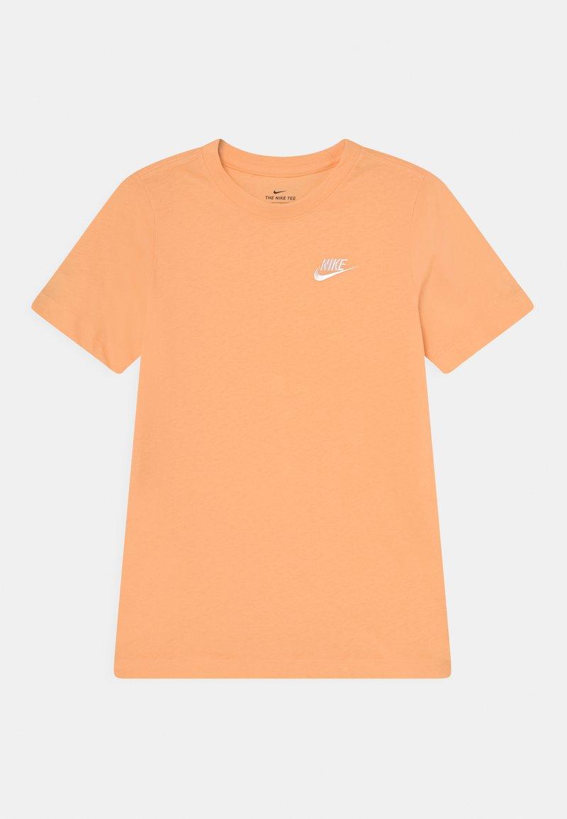 Nike Sportswear - FUTURA TEE  - Camiseta básica - orange chalk/white