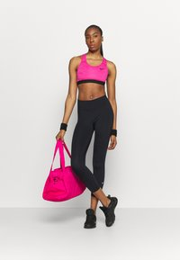 Nike Performance - ONE CROP 2.0 - Legginsy - black