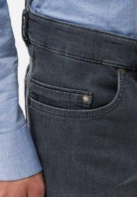 BRAX - STYLE LUKE - Jeans Straight Leg - gray - 4