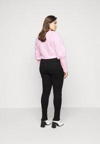 ONLY Carmakoma - CAROP LIFE SUPER - Jeans Skinny Fit - black - 2