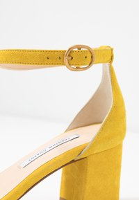 Fabienne Chapot - YASMINE - Sandals - sunflower yellow - 2