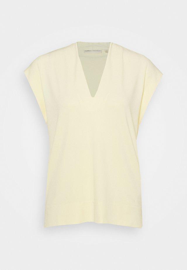 YAMINI - T-shirt basic - anise